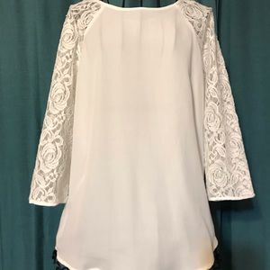 🔥Precious Tunic with 3/4 sleeves Size medium🔥